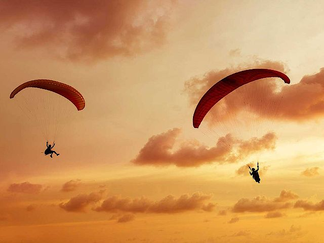 Paragliding in the UNESCO World Heritage